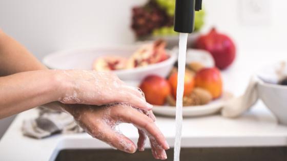 Covat19 Should Take Us Back To Simple Hygiene + Health (Plus DIY Hand Sanitiser Recipe)